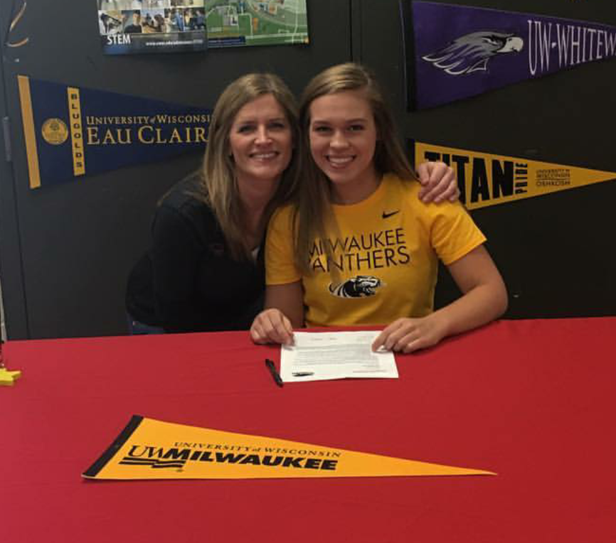 Taylor+Tabbert+Signs+With+The+Panthers