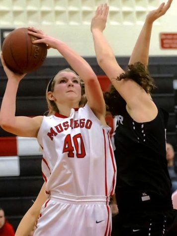 Muskego Dives into a Good Season